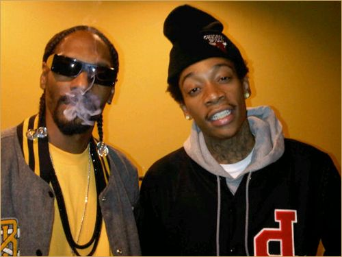 The newest Dynamic Duo, Snoop Dogg & Wiz Khalifa rumored that the two are working on  movie